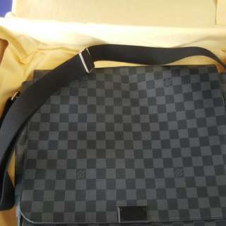 Louis Vuitton Damier Graphite Messenger Bag