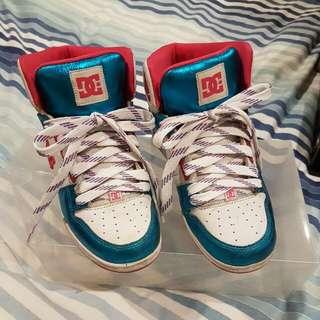 DC Shoese Sz 7