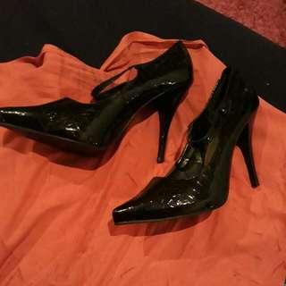 Pulp Black Heels With Strap