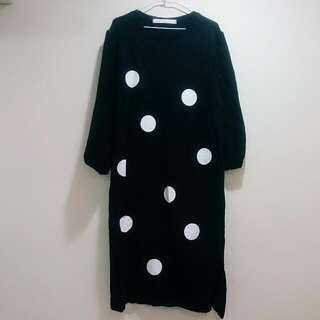 韓國製  點點寬鬆澎袖微開剎保暖毛衣洋裝