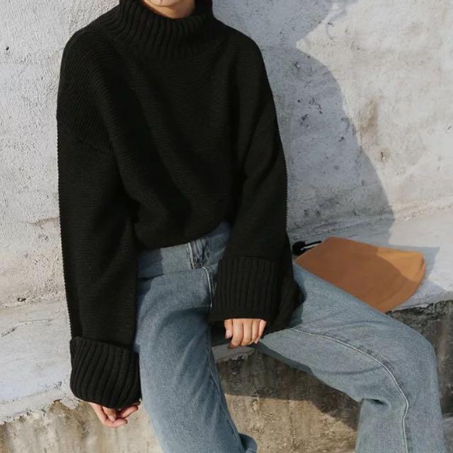 黑色高領寬鬆針織毛衣