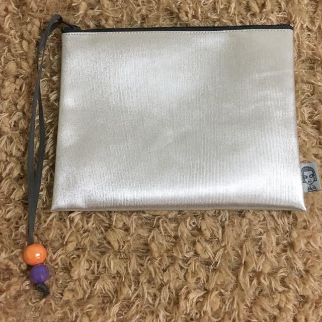 銀色手拿包/化妝小物收納包