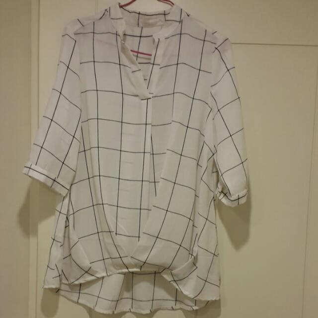 棉麻材質前短後長設計款襯衫
