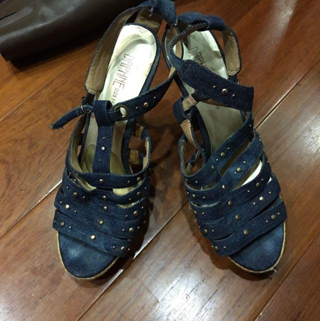 達芙妮高跟鞋 25號