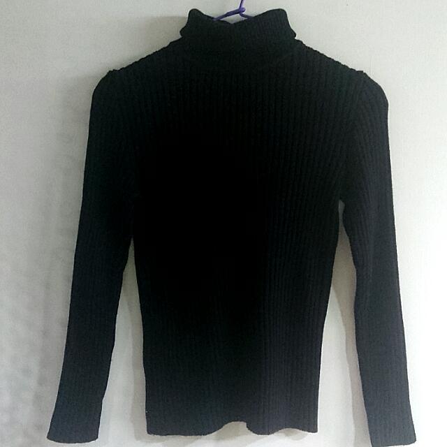 超超保暖的高領毛衣 黑