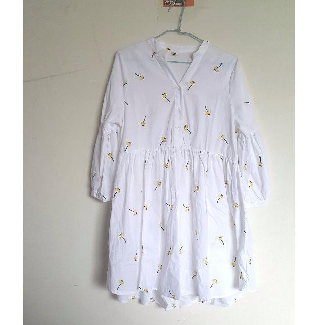 全新 白色繡花 長袖洋裝