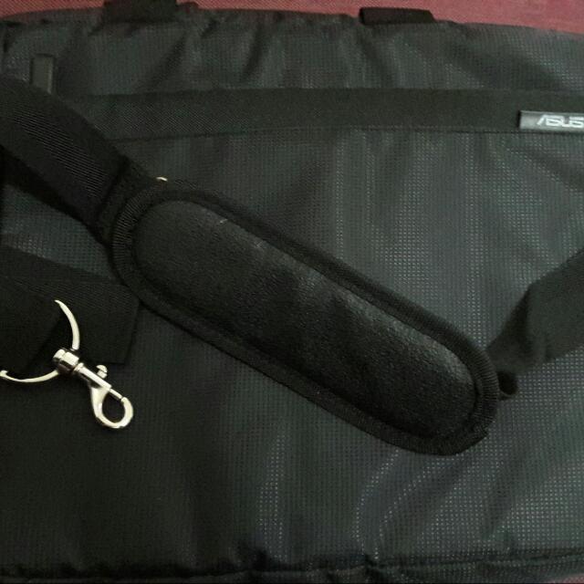 全新Asus15吋電腦袋
