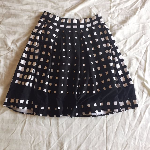 Black & White Box Print Pleated Skirt