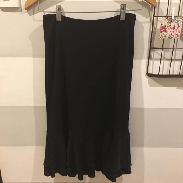 DETAILS black skirt