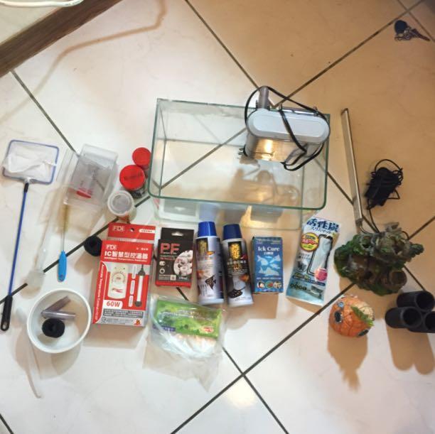 (待面交)整套魚缸(含加溫棒、魚飼料、造景、LED 燈、小魚網、過濾綿、硝化菌⋯等)