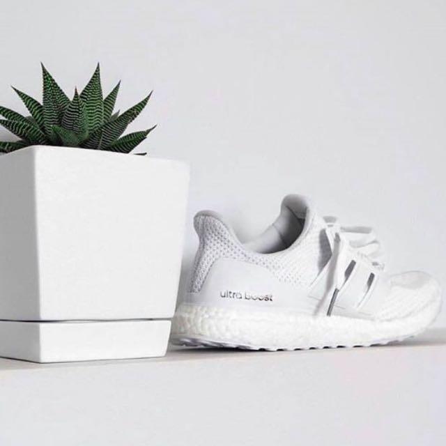 Limitata] Adidas Ultra Impulso Triplo Bianco, La Moda Femminile, Le Scarpe