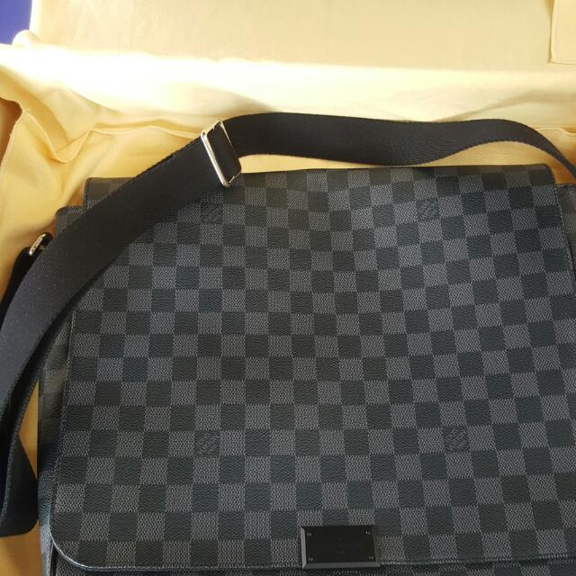 Louis Vuitton Damier Graphite Messenger Bag