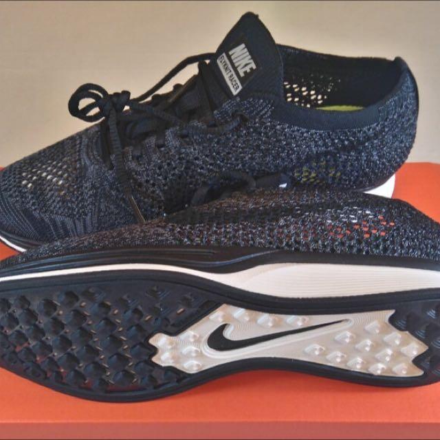 Nike Flyknit Blackout