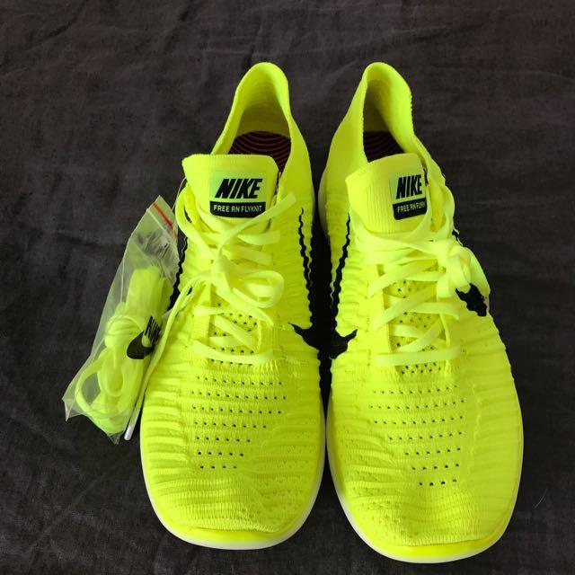 Nike Free RN running