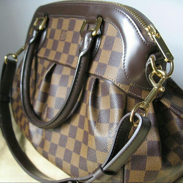 a9b92b392b53 Reserved  Almost New Authentic LV Louis Vuitton Damier Trevi Pm ...