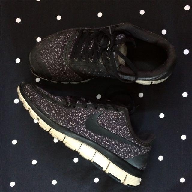 Sepatu Nike Free Run 5.0