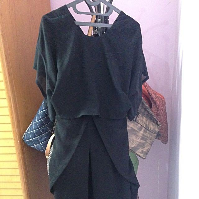 (X) S.M.L black dress