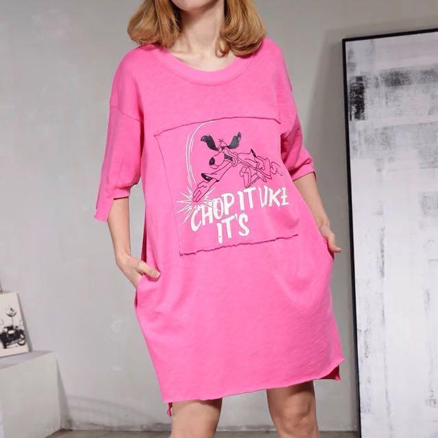 Y2™歐美簡約開衩卡通貼布拼接五分袖長版上衣▪️休閒寬鬆時尚大版中大尺碼顯瘦修身設計款大碼女裝韓版日本代購早春新款