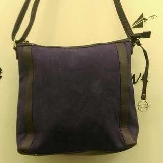 降📣紫色肩背斜背二用包