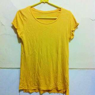 Stradivarius Basic T-shirt (Yellow)