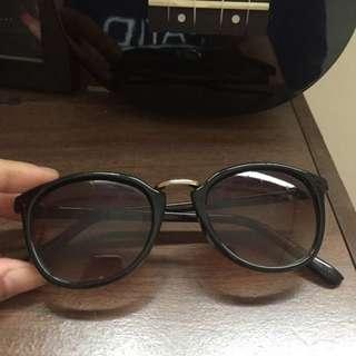 GAP Sunnies/Sun Glasses