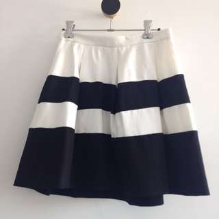 Express Black And White Skirt Size 2 US