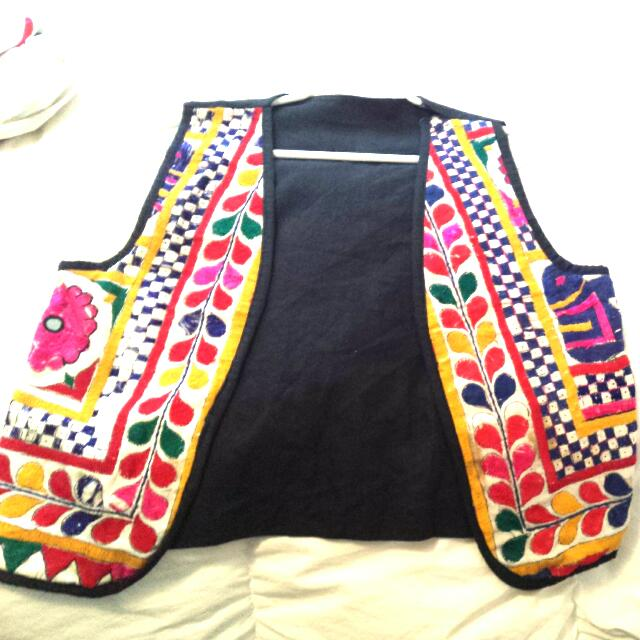 ** Accepting Offers * * 100 % Cotton Beautiful Vest