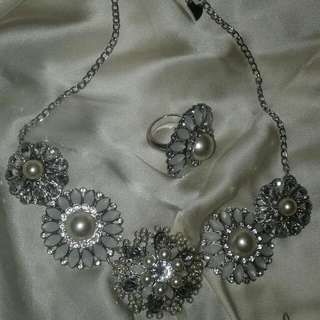 Ring & Necklace Set