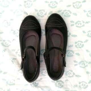 Parisian Leather Shoes 🚩 Size: 36