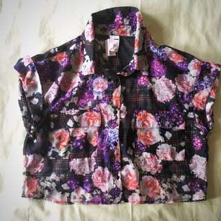 Crop Top Blouse - Floral.  * *PRICE REDUCED **