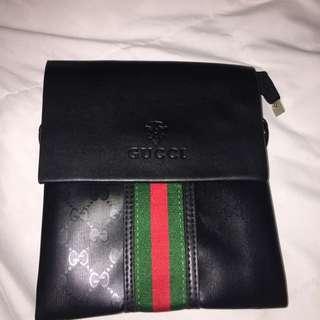 Replica Gucci cross body bag