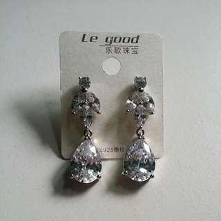 BN Crystal Dangling Earrings