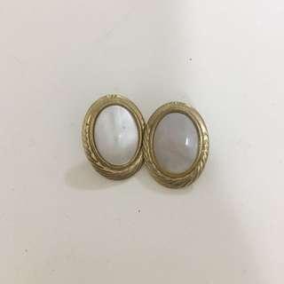 Oval Pearl Earrings