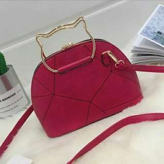 B2696 MATERIAL PU SIZE L23XH17XW10CM  WEIGHT 600GR COLOUR RED