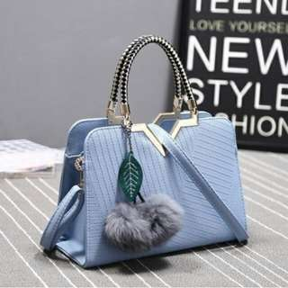 B862 MATERIAL PU SIZE L28XH20XW12CM WEIGHT 200GR COLOUR BLUE