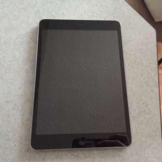 **REDUCED** iPad Mini Wifi 16GB