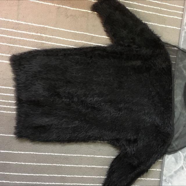 毛毛透膚性感黑色上衣