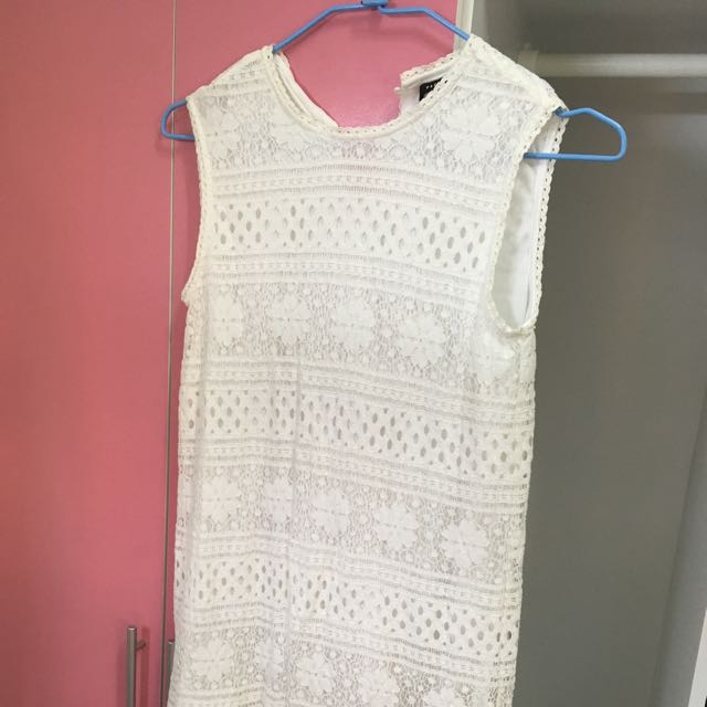 無袖蕾絲全白洋裝