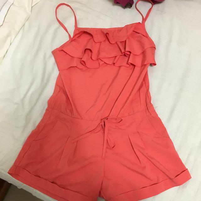 橘色連身短褲