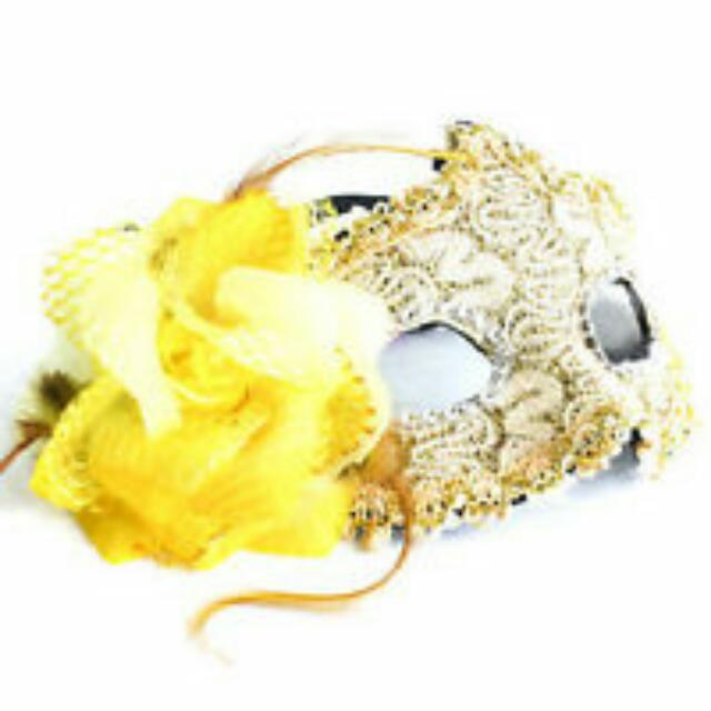 BNWT Yellow/Gold Masquerade Mask