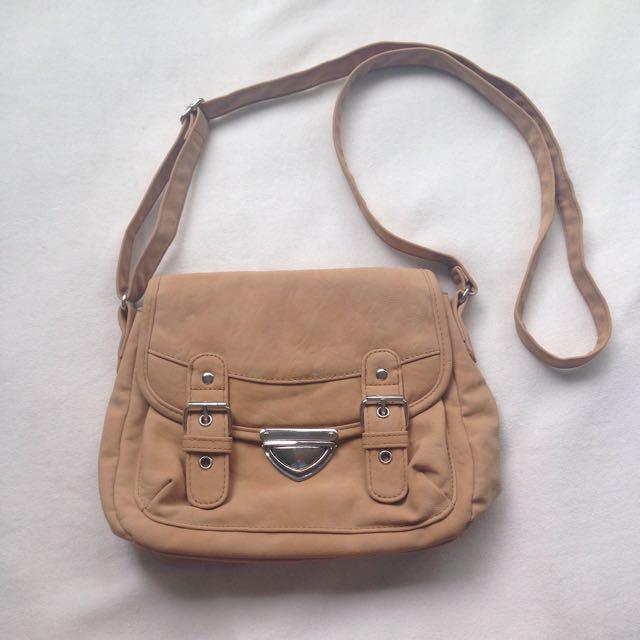 Fake leather brown bag