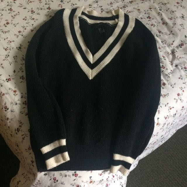Forever 21 Sweater (size small)