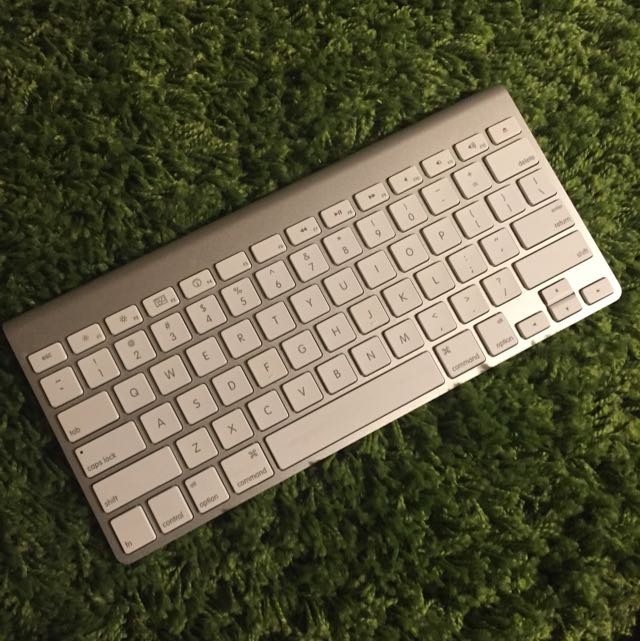 Genuine Apple Wireless Bluetooth Keyboard