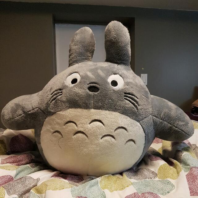 Giant TOTORO Plushie / Stuffie