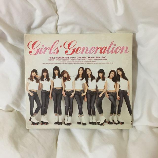 Girl's Generatiom GEE Album