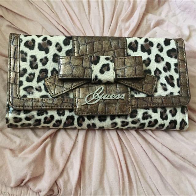 63eb42146c Guess Leopard Print Purse Women S Fashion Bags Wallets On Carou