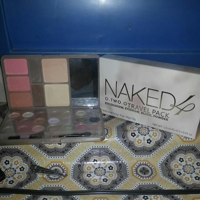 Naked 4 Travel Pack Eye Shadow, Eyebrow, Blush, Powder