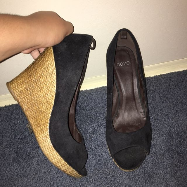 Novo Heels (size 10)