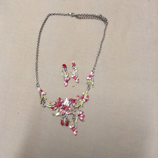 Pink, Red Natural Themed Necklace