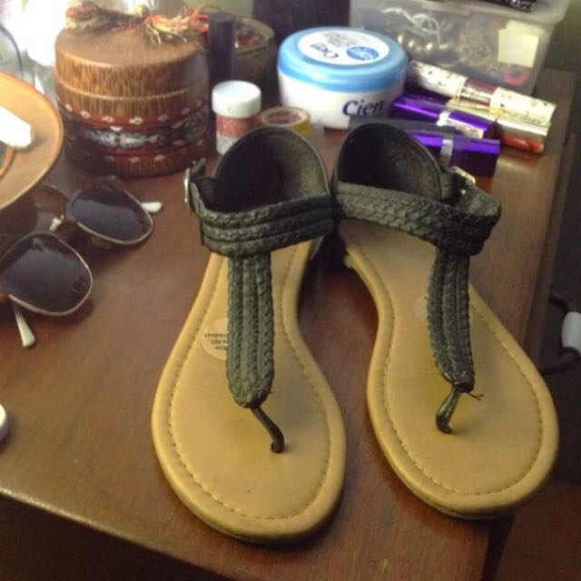 Rubi/ Cotton-on Sandals